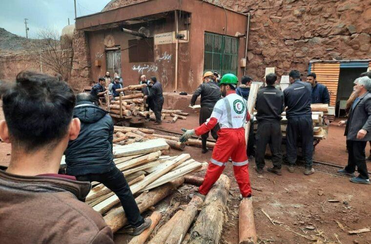 ریزش معدن منگنز ونارچ قم/۳ کارگر محبوس شدند