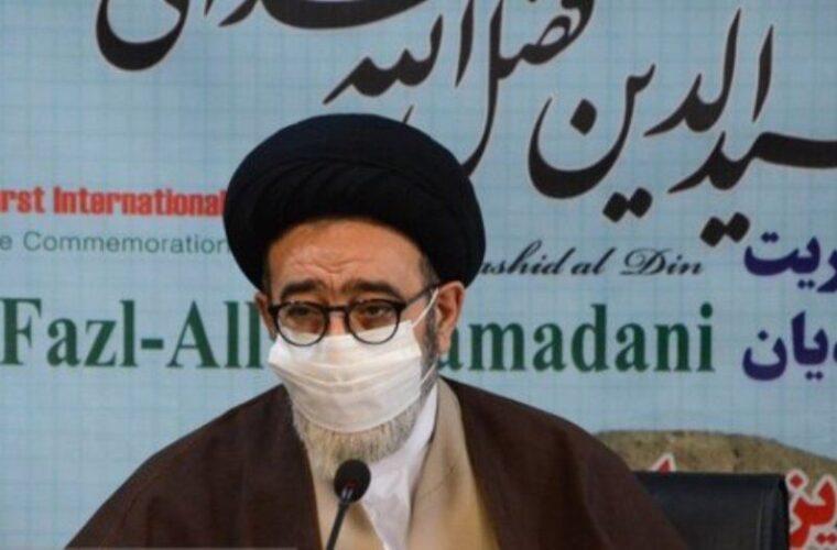 خواجه رشیدالدین در علم، ادب و سیاست دارای موقعیت ممتازی بود