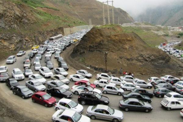 آغاز بازگشت مسافران از شمال/ ترافیک سنگین در محور چالوس و هراز