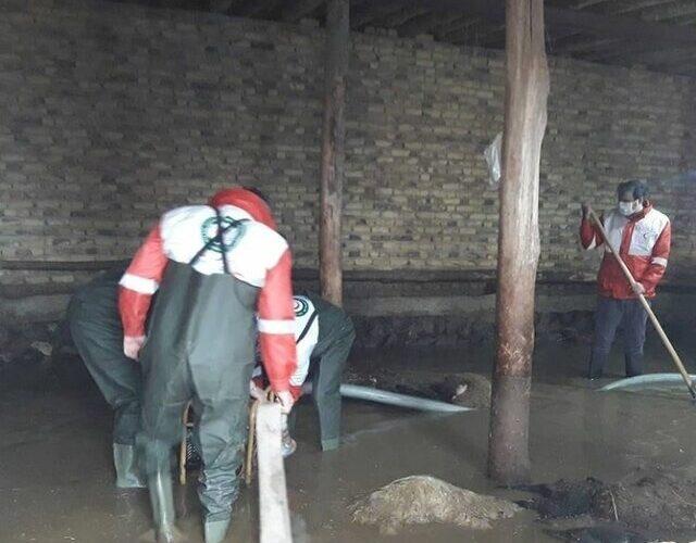 آبگرفتگی منازل و تلف شدن ۵۰ راس گوسفند در سراب به دنبال بارندگیها