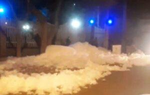انتشار کف سفید در خیابان آخونی تبریز ناشی از حفاری قطار شهری بود