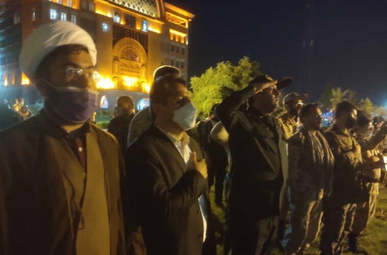 اهتزار پرچم ایران و فلسطین در محوطه شهرداری تبریز