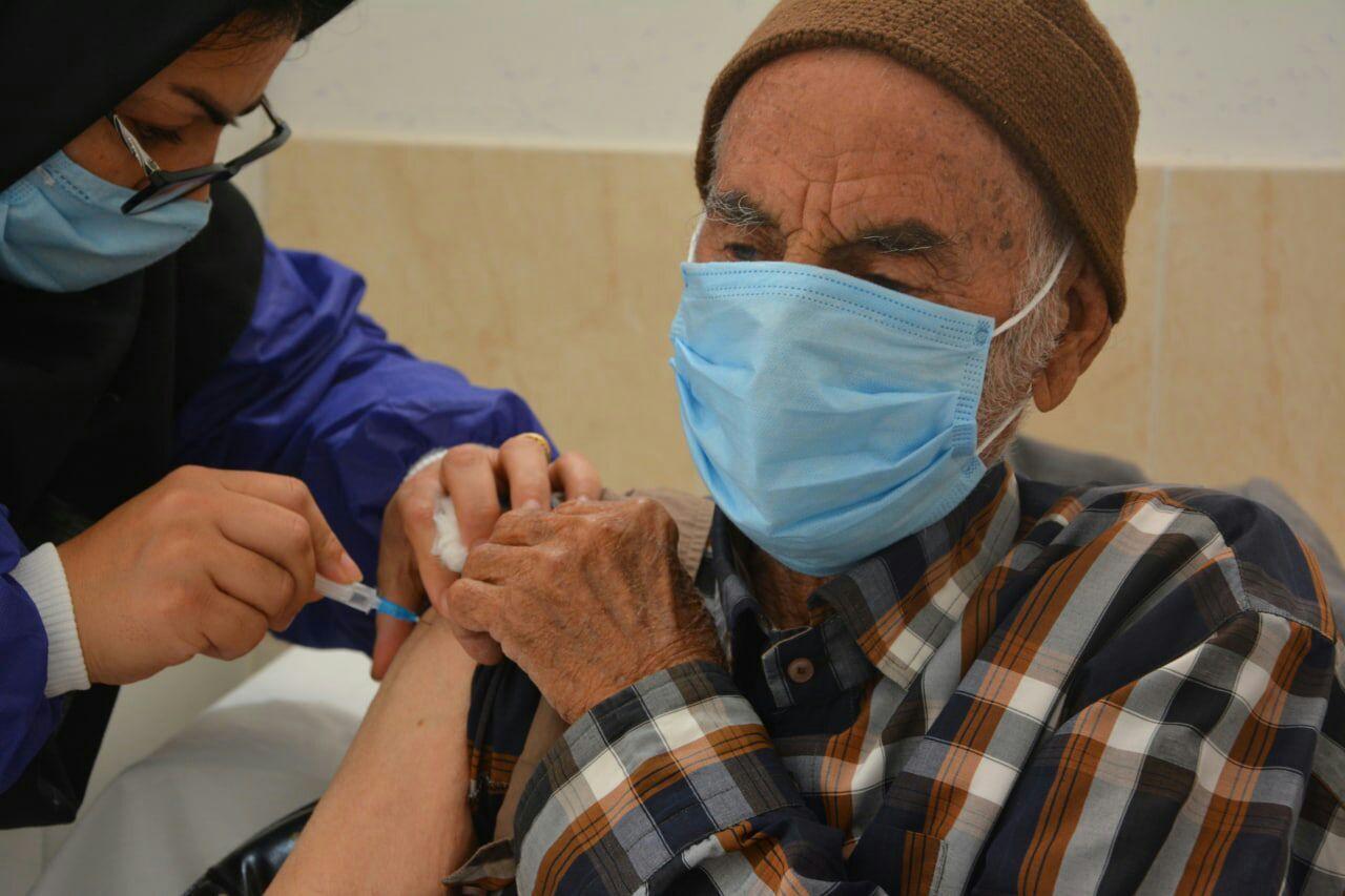 ۹۰هزار نفر در آذربایجانشرقی علیه کرونا واکسینه شدند