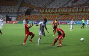 تیم فولاد خوزستان مقابل تراکتورسازی متوقف شد