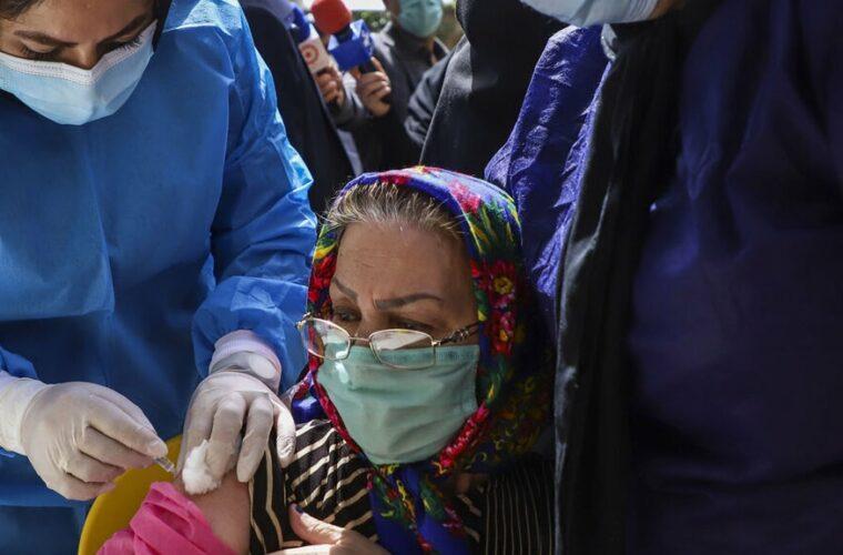 واکسیناسیون کرونا برای افراد بالای ۷۵ سال آغاز شد